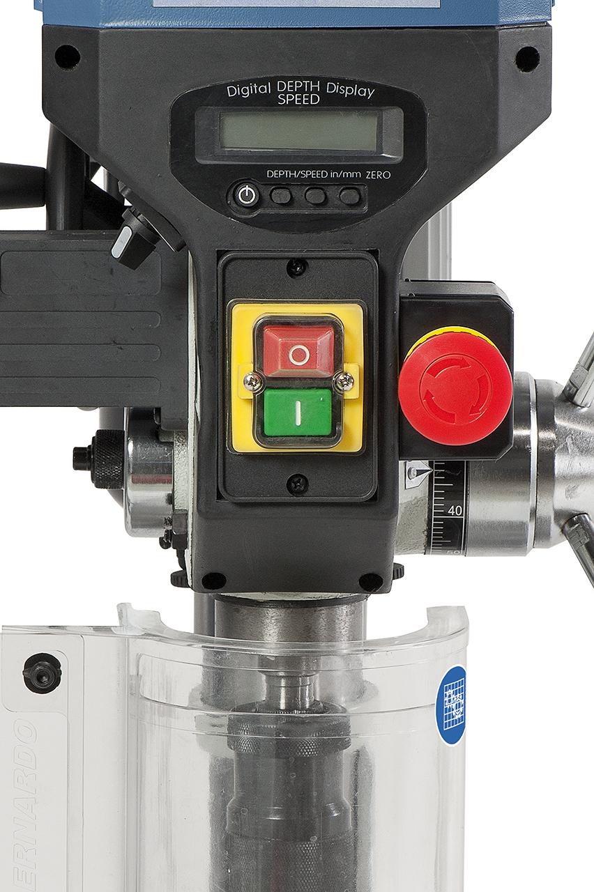 EIN-AUS Schalter nach IP 54 und separater Not-Halt-Taster nach CE-Norm