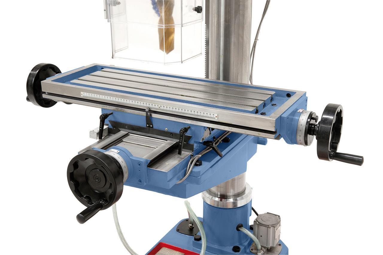 Großdimensionierter Kreuztisch mit T-Nuten, präzise oberflächenbearbeitet