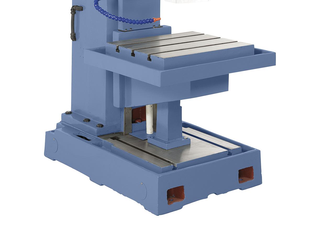 Massive, großdimensionierte Bodenplatte mit T-Nuten, Arbeitstisch kann demontiert werden, optimal zum Bearbeiten von hohen Werkstücken