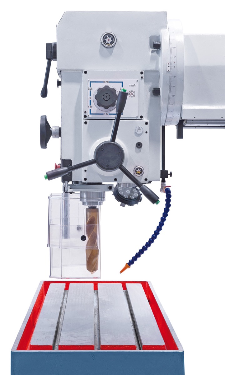 6 automatische Bohrvorschübe über Elektromagnetkupplung schaltbar.