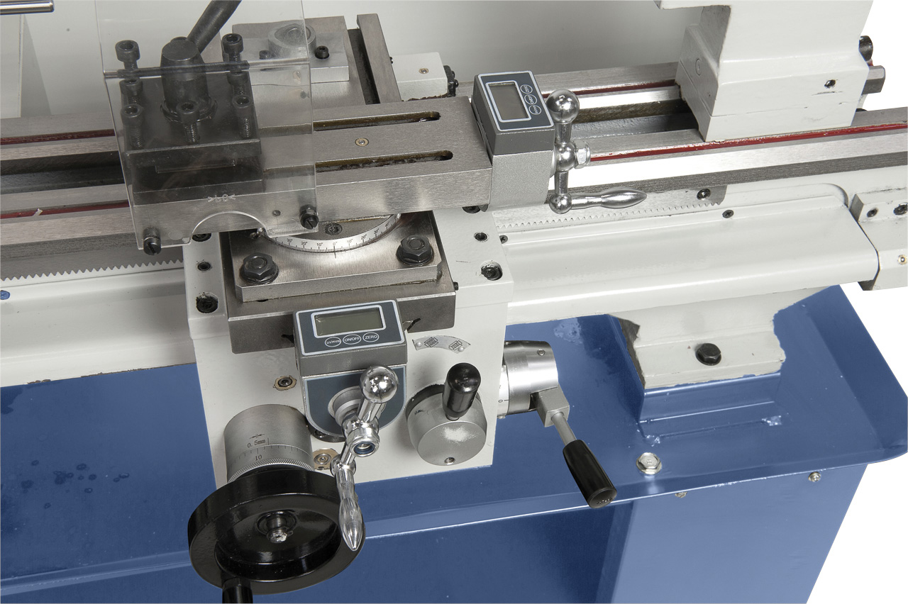 Die optionalen Digitalanzeigen für den Schlitten ermöglichen ein exaktes Bearbeiten.