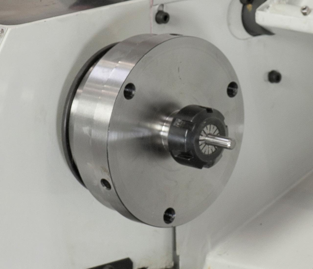 Das Spannzangenfutter Er 25 gewährleistet eine hohe Rundlaufgenauigkeit bei Spannen von Werkstücken, Spannbereich 1 - 16 mm.