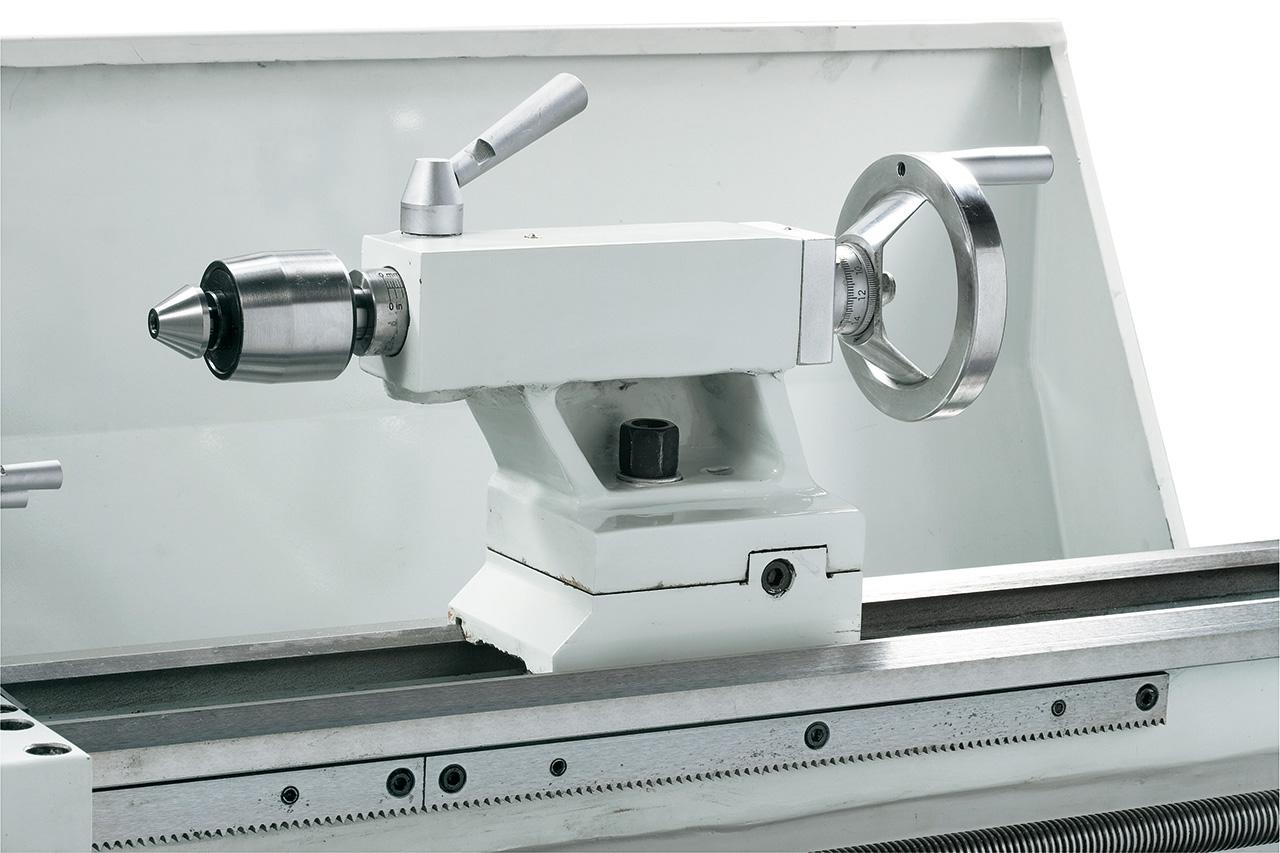 Für universellen Einsatz ist optional eine mitlaufende Körnerspitze Type SMA mit 7 auswechselbaren Einsätzen lieferbar.