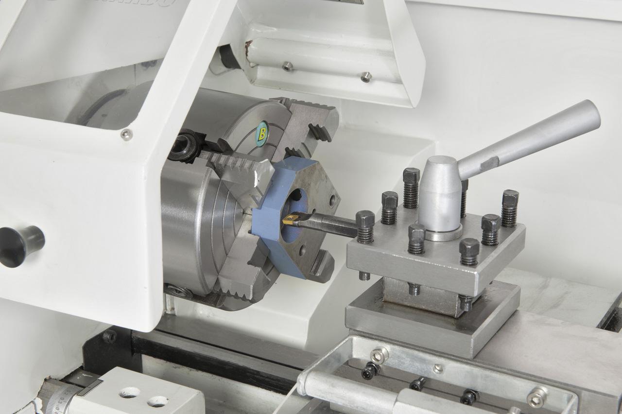Planscheibe 125 mm (Option) ideal zum Aufspannen von asymmetrischen Werkstücken
