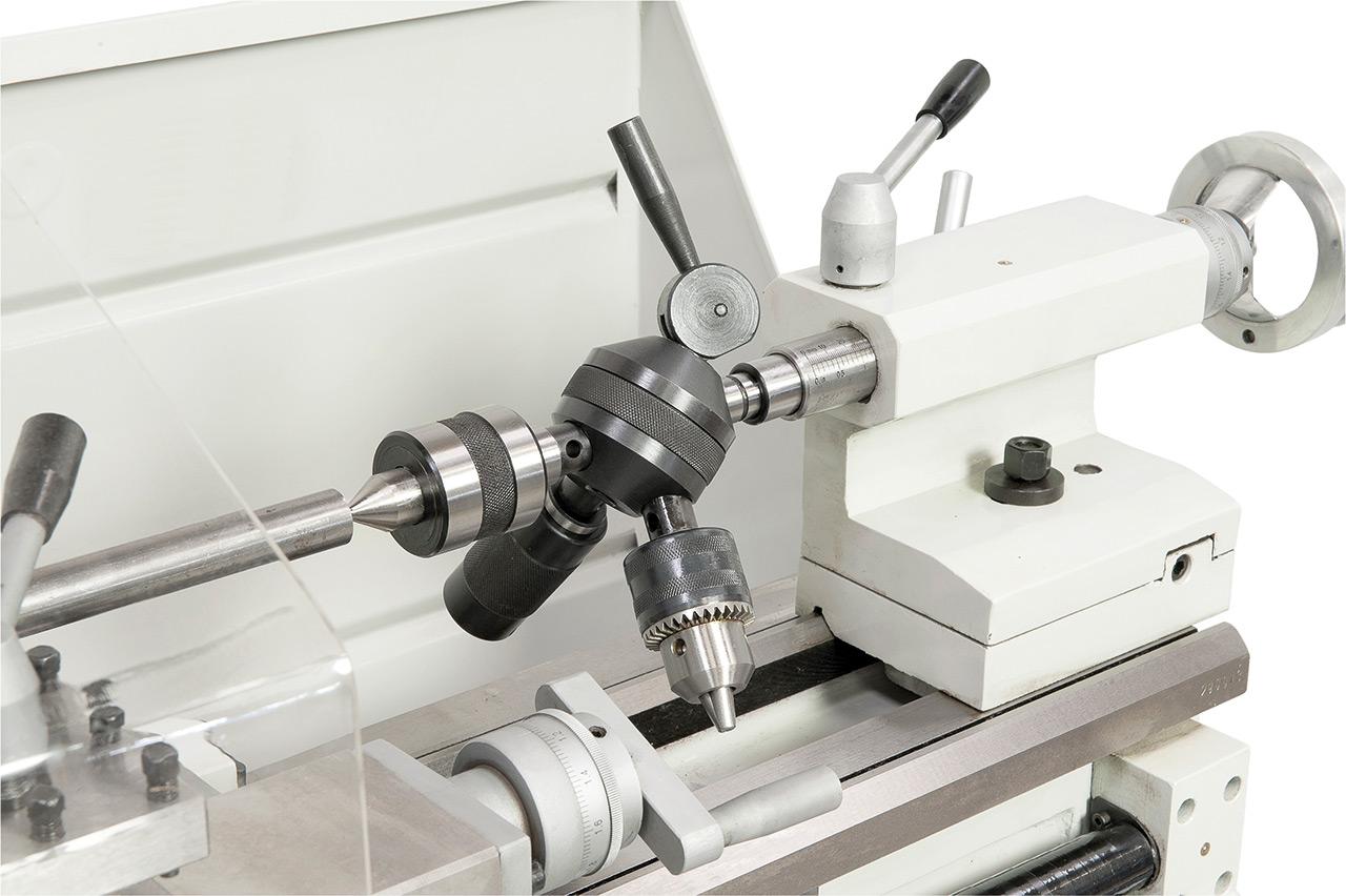 Zum wirtschaftlichen Arbeiten kann die Maschine mit einem Revolverkopf ausgestattet werden