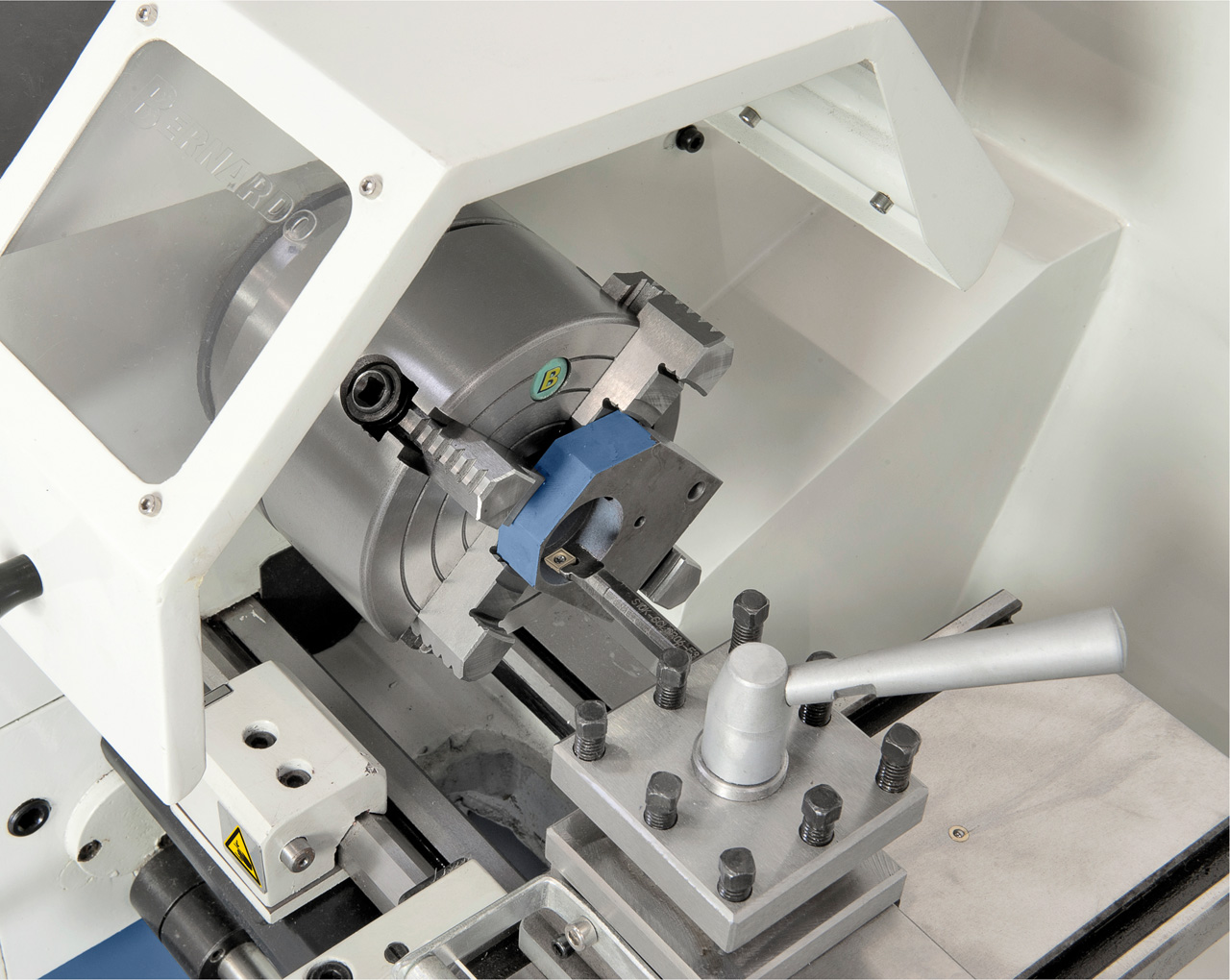 Planscheibe 160 mm (Option) ideal zum Aufspannen von asymmetrischen Werkstücken.
