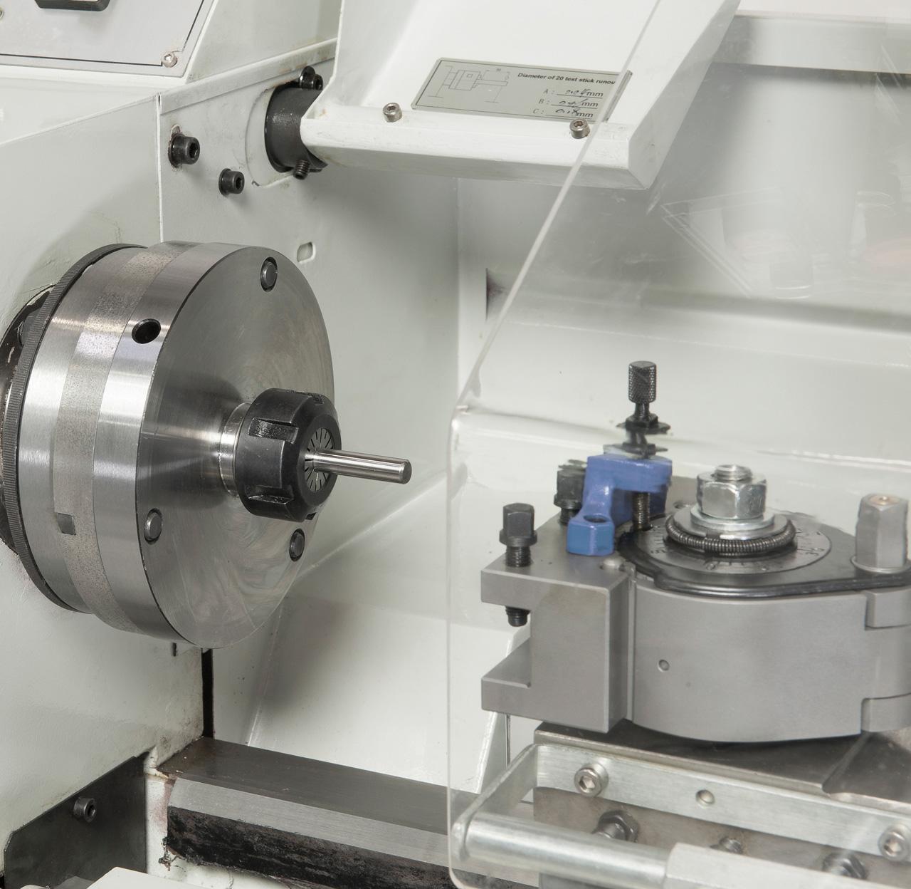 Optional lieferbar: Schnellwechselstahlhalter System Multifix und Spannzangenfutter ER 25