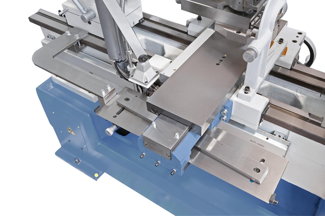 Kegeldreheinrichtung optional erhältlich, Drehlänge 455 mm, Einstellwinkel ± 8°