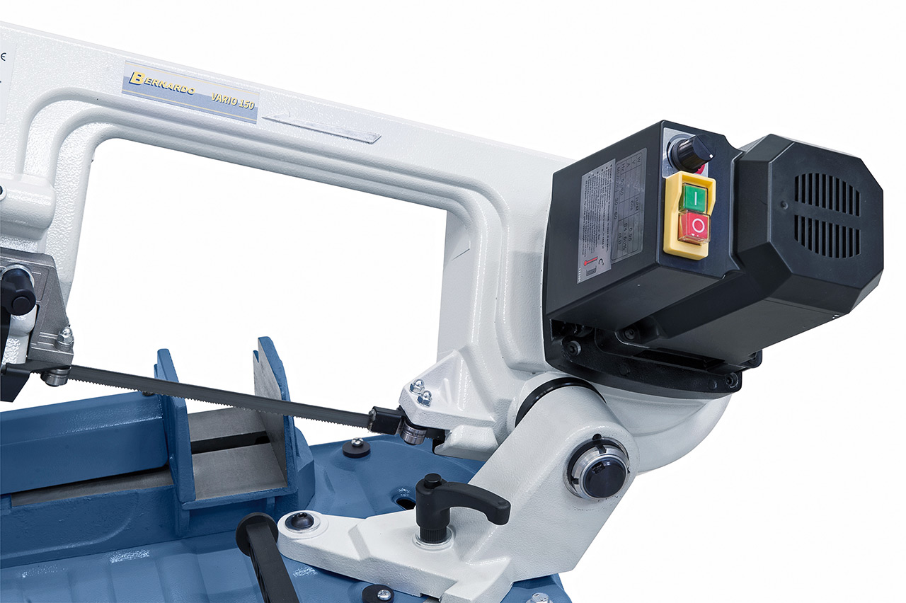 Leistungsstarker Antriebsmotor mit elektronischem Drehzahlregler.