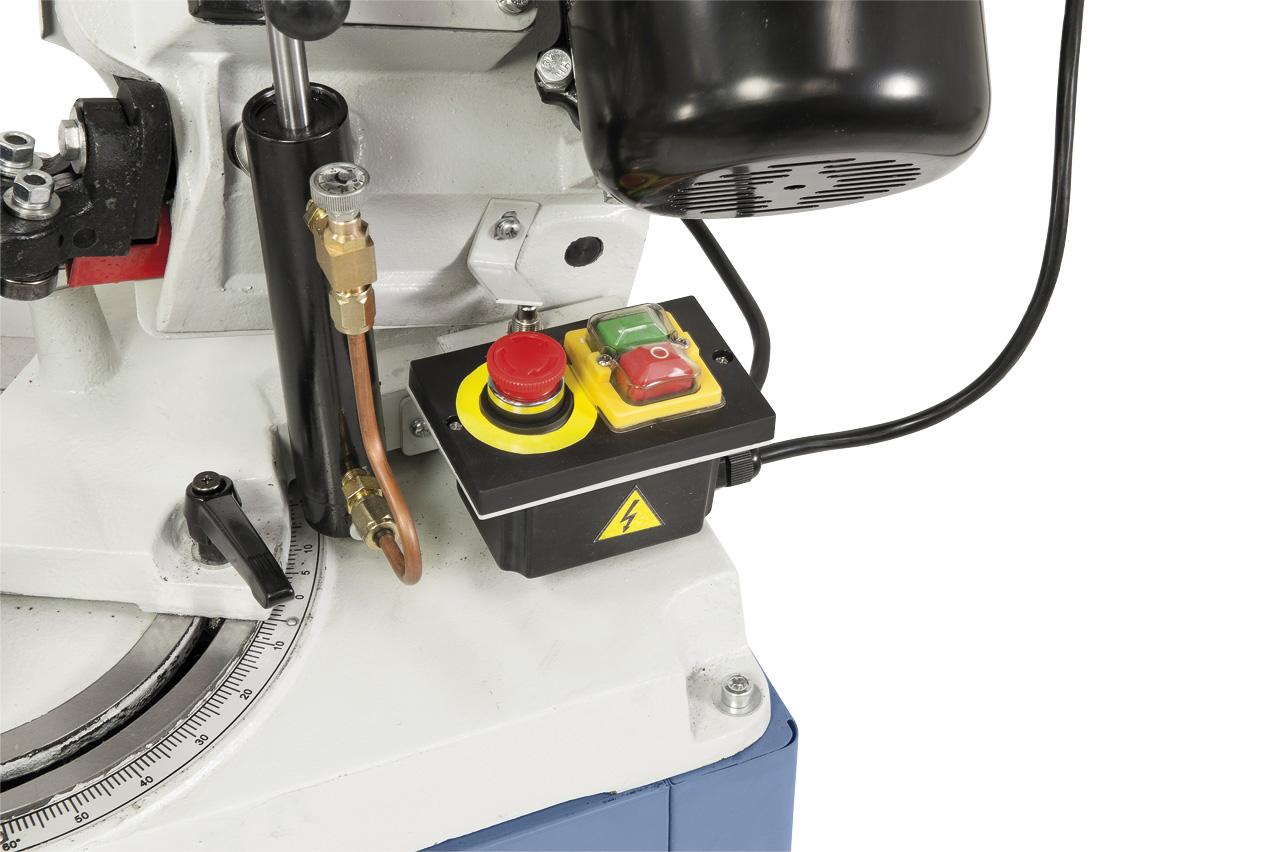 Serienmäßig mit automatischer Endabschaltung, EIN-AUS-Schalter nach IP 54.