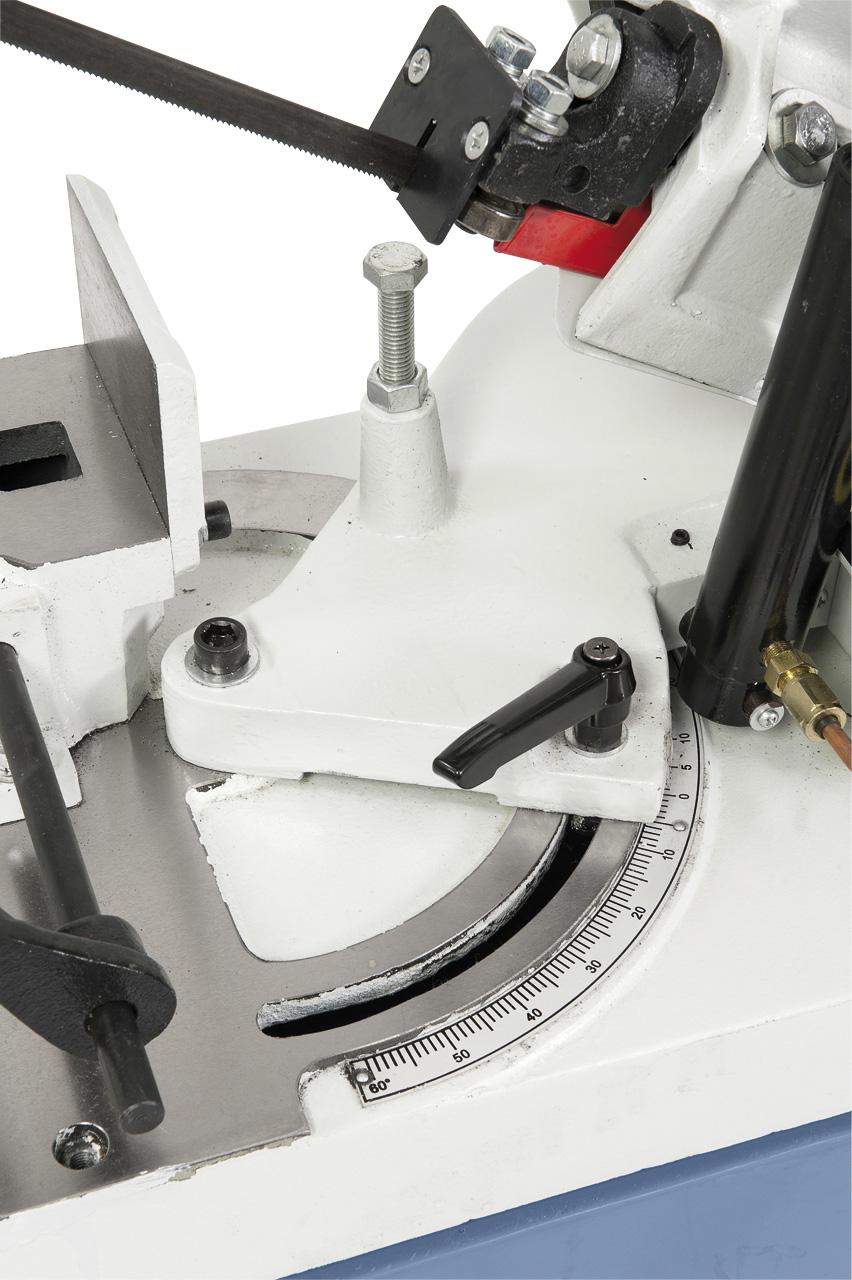Schwenkbarer Sägebügel zum Doppelgehrungsschneiden von -45° bis +60°.