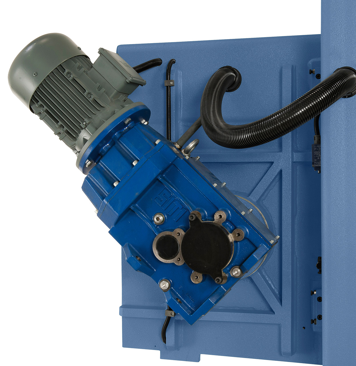 Leistungsstarker Antriebsmotor mit schräg verzahntem Getriebe, Antriebsleistung 4,0 kW