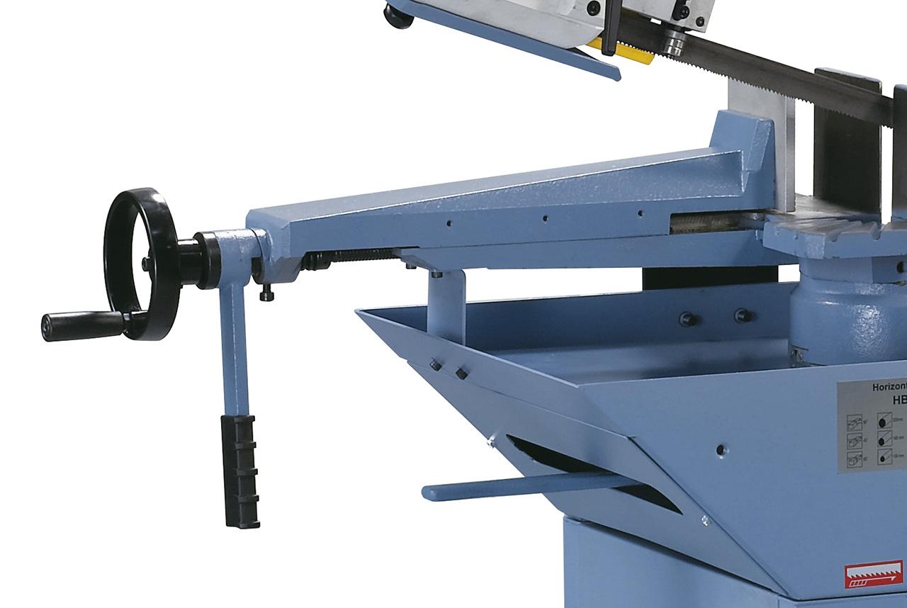 Der massive Schraubstock aus Grauguss ist mit einer Schnellarretierung ausgestattet - optimal für Serienarbeiten.