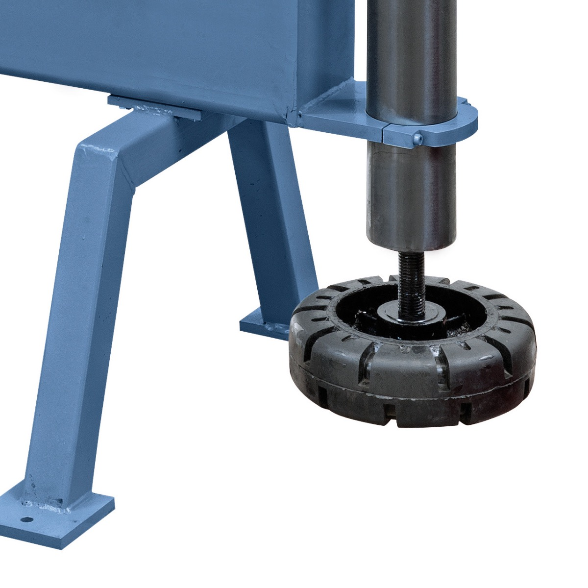 Einfaches Einstellen der unteren Formrolle mittels Fußrad.