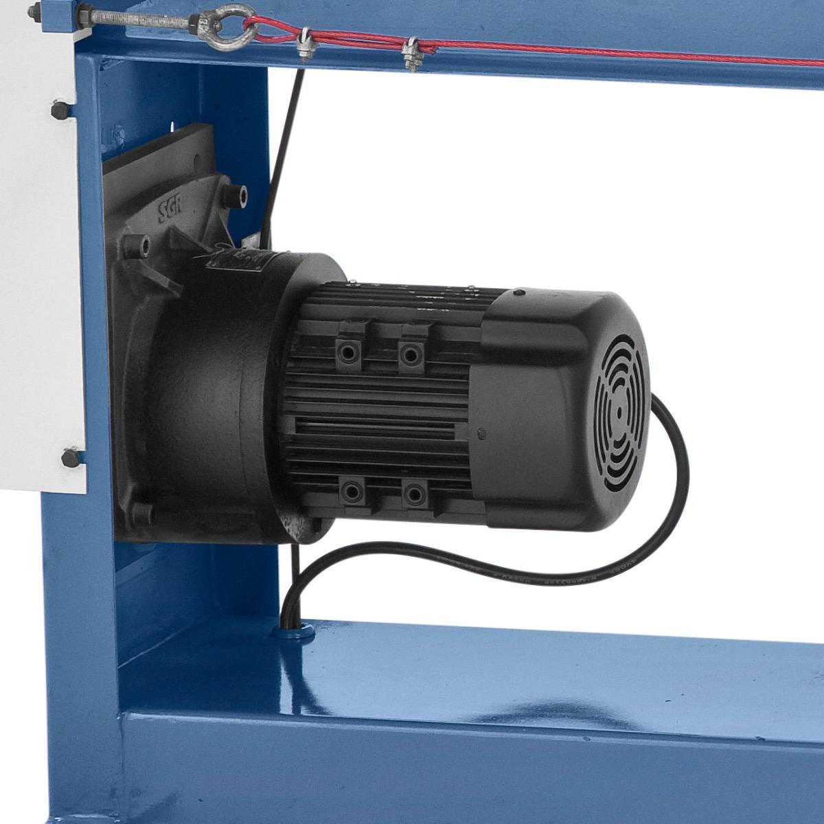 Leistungsstarker Antriebsmotor mit 0,75 kW für einen gleichmäßigen Antrieb der Walzen.