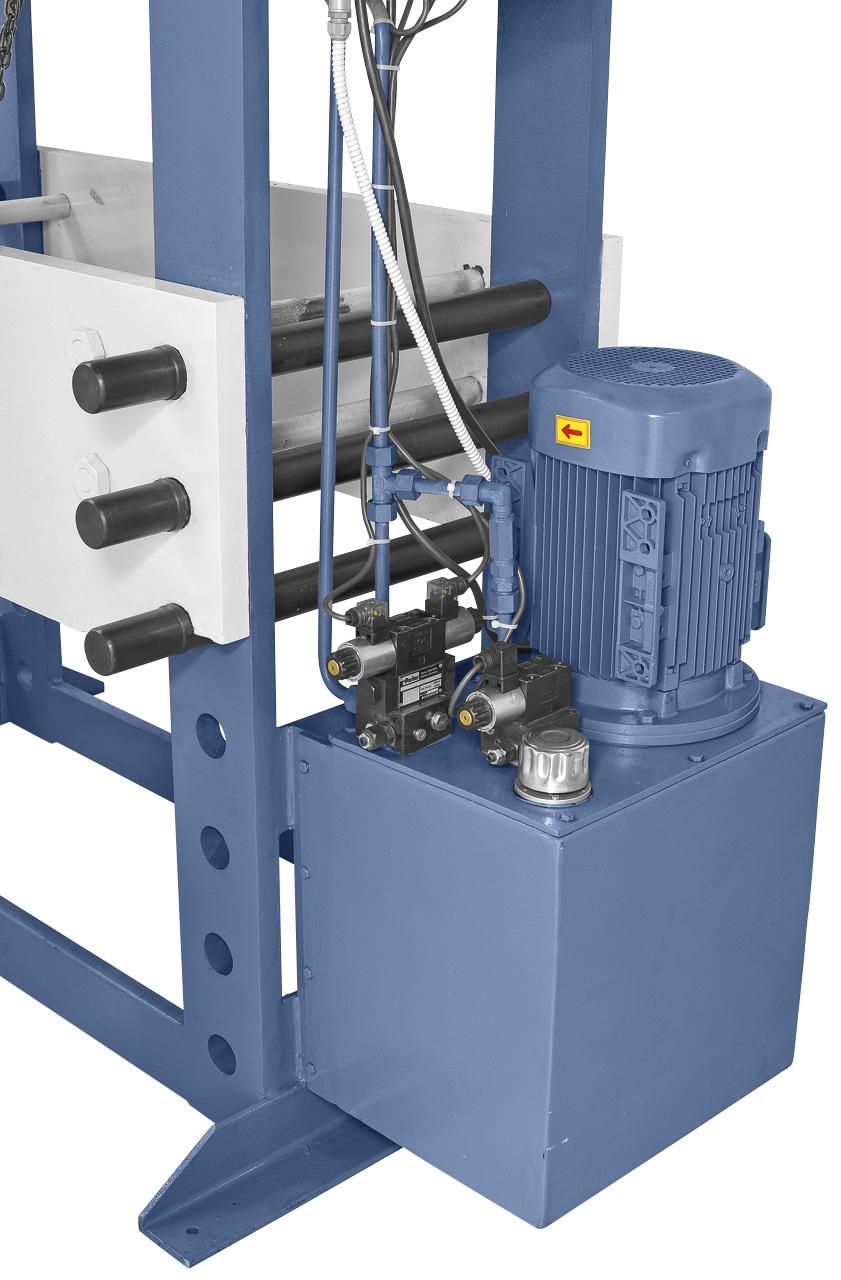 Hydraulikanlage mit hochwertigen Komponenten.