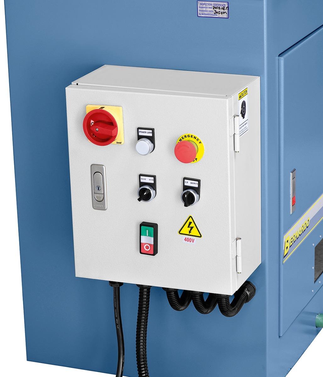 Übersichtlich angebrachte Schaltelemente direkt am Elektrokasten.