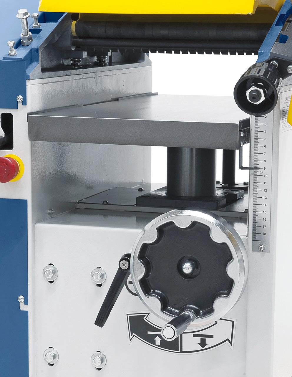 Dickentisch aus Grauguss mit mittiger Zentralsäule und Abstützung, für Werkstücke bis 180 mm Höhe.