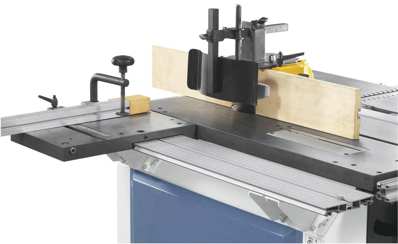 Die solide Fräserschutzhaube kann für Werkzeuge bis 140 mm Durchmesser verwendet werden.