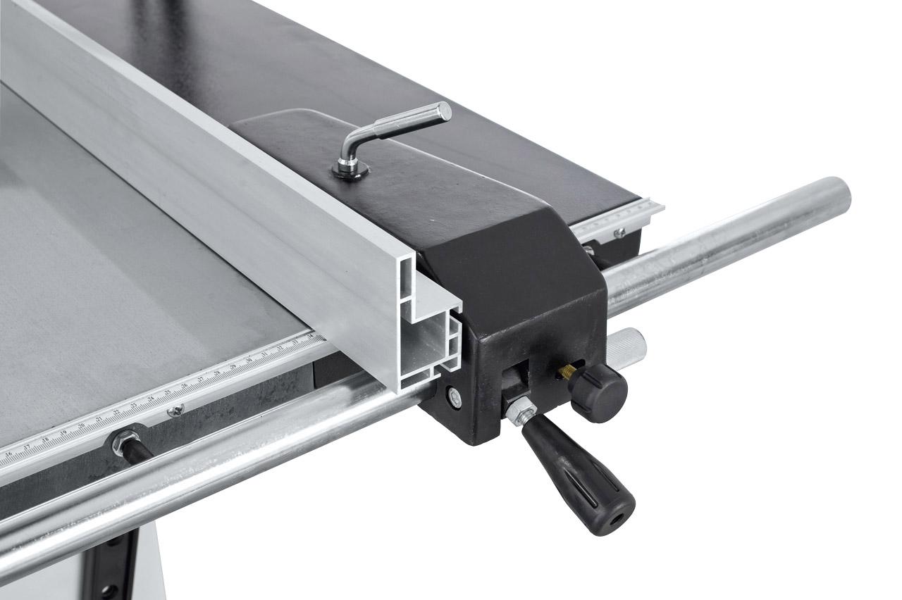 Inklusive robustem Parallelanschlag  mit diam. 30 mm Rundstangenführung  für höchste Beanspruchung.