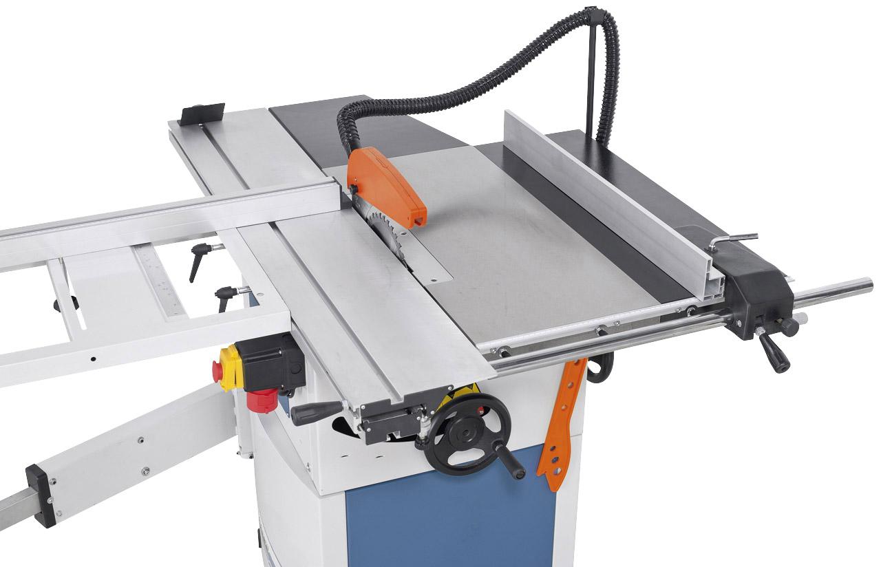 Großdimensionierter Arbeitstisch und  serienmäßige Tischverbreiterung für  Schnittbreiten bis 610 mm.