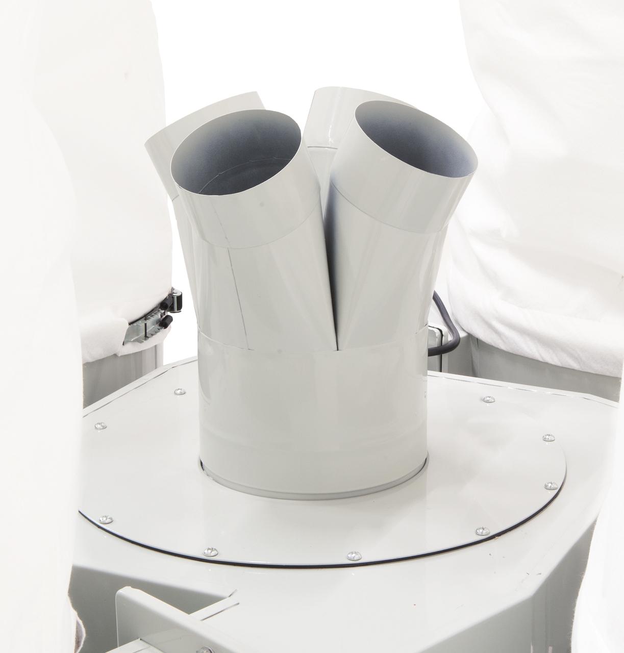 Der serienmäßige Verteiler bietet vier Anschlüsse diam. 100 mm